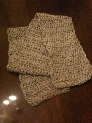 Thick and Quick crocheted scarf (1/3)