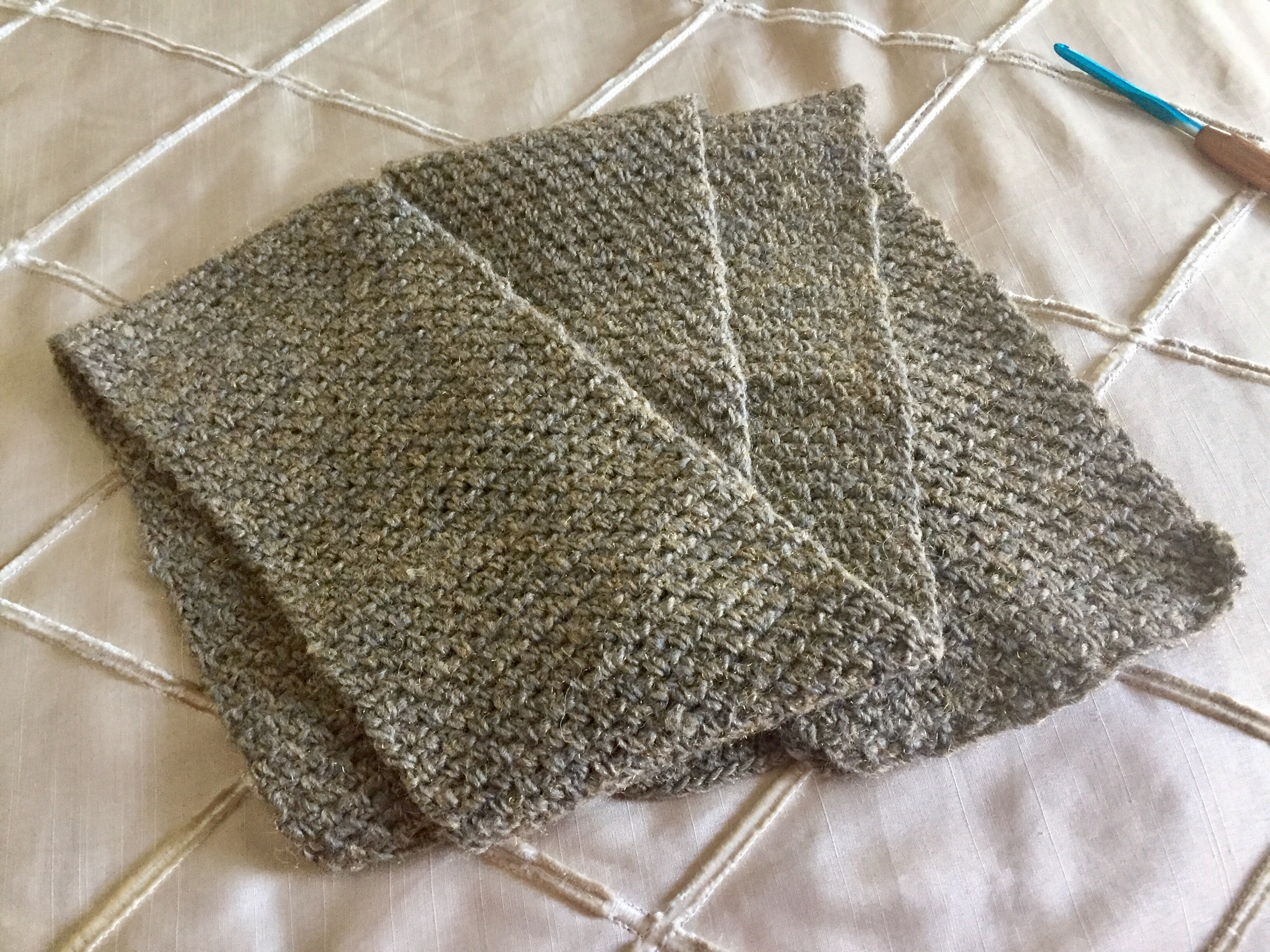 brown – No Needle Knitting